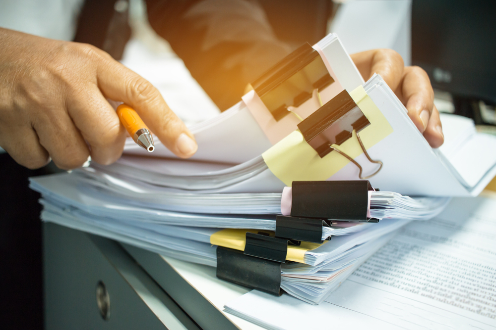 Cloud-based payroll software makes cluttered files a thing of the past.