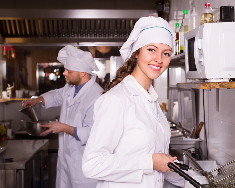 Small restaurant equipment costs can be brought down with savvy choices