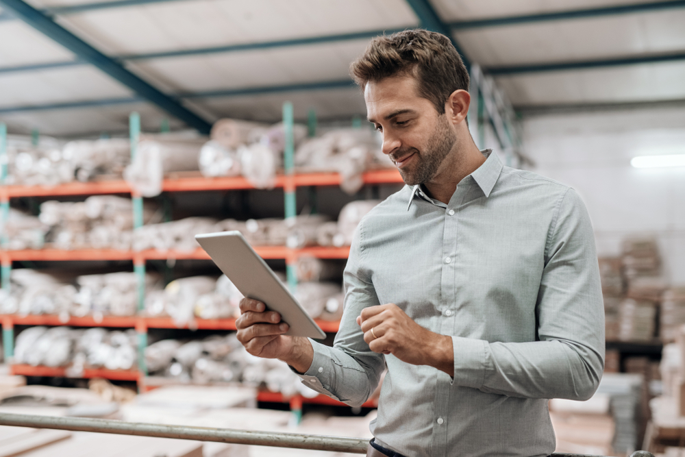 small business owner tracks inventory with pos for ipad