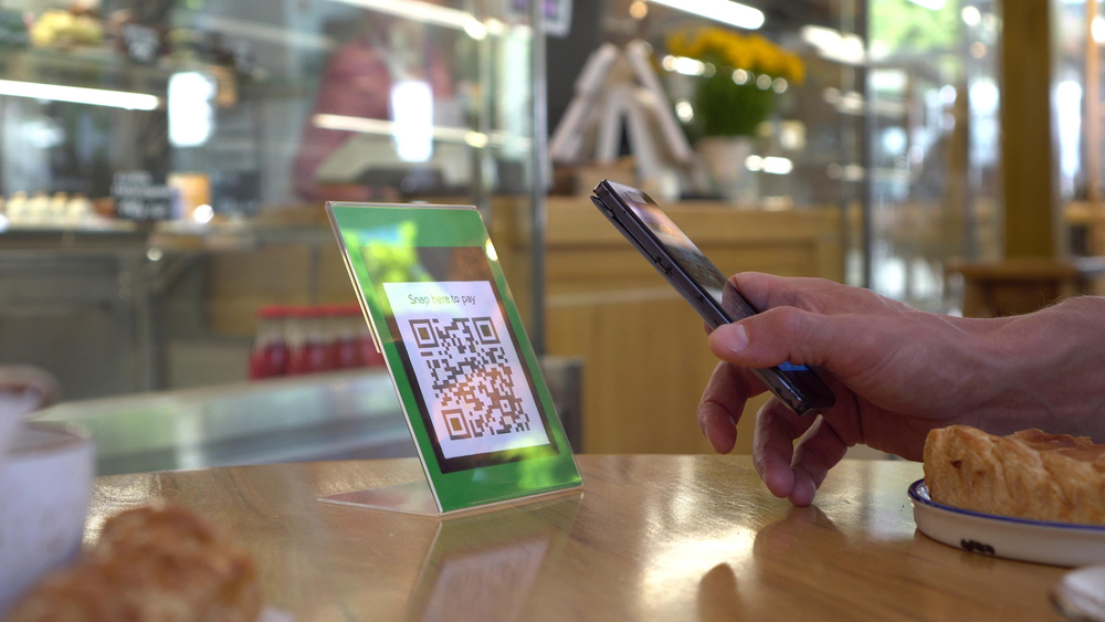cashless payment with QR code reader