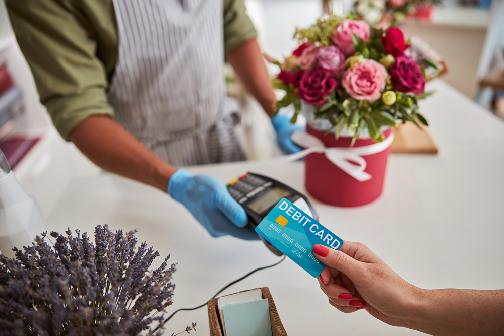 florist accepts payment with ePOS system